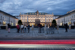 PiS chce dwóch pomników smoleńskich na Krakowskim Przedmieściu