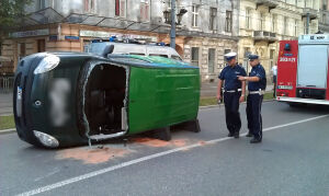 Dostawczak na boku, Marszałkowska zablokowana