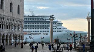Najazd gigantów na Wenecję