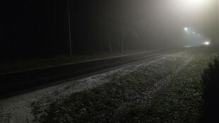 Gołoledź, silny mróz i mgła. Żółte alerty i prognoza zagrożeń